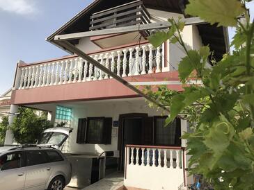 Bibinje, Zadar, Объект 18241 - Апартаменты вблизи моря с галечным пляжем.