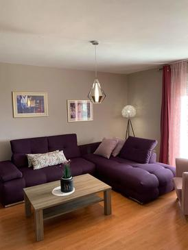 Crikvenica, Obývací pokoj v ubytování typu apartment, domácí mazlíčci povoleni a WiFi.