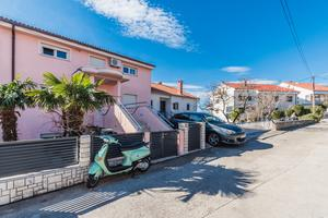 Apartments with WiFi Crikvenica - 18266
