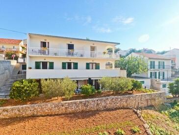 Hvar, Hvar, Hébergement 18283 - Appartement avec une plage de galets.
