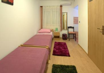 Zadar, Bedroom in the room, air condition available and WiFi.