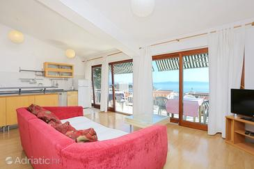 Makarska, Living room in the apartment, air condition available and WiFi.