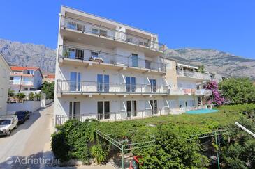 Makarska, Makarska, Property 18332 - Apartments with pebble beach.