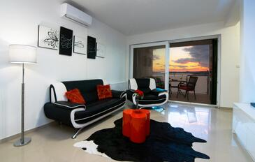 Novigrad, Living room 1 in the house, air condition available and WiFi.