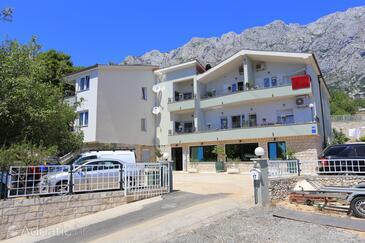 Makarska, Makarska, Property 18367 - Apartments with pebble beach.