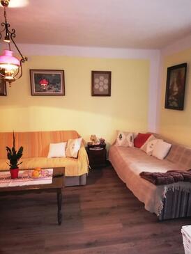 Brestova Draga, Obývací pokoj v ubytování typu house, domácí mazlíčci povoleni a WiFi.