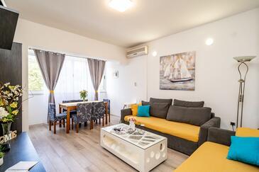 Ošlje, Obývací pokoj v ubytování typu house, s klimatizací, domácí mazlíčci povoleni a WiFi.