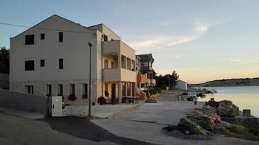 Šimuni, Pag, Property 18386 - Apartments near sea with pebble beach.