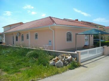 Vir, Vir, Propiedad 18389 - Apartamentos with pebble beach.