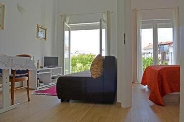 Povile, Obývací pokoj v ubytování typu apartment, s klimatizací a WiFi.