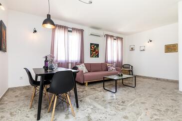 Mali Lošinj, Obývací pokoj v ubytování typu apartment, s klimatizací, domácí mazlíčci povoleni a WiFi.