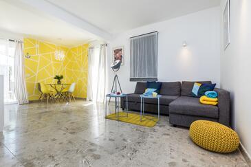 Mali Lošinj, Гостиная в размещении типа apartment, доступный кондиционер, Домашние животные допускаются и WiFi.