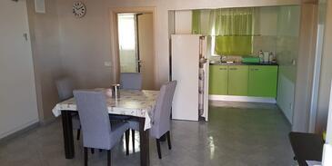 Vir, Столовая в размещении типа apartment, доступный кондиционер и WiFi.
