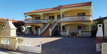 Vir, Vir, Property 18407 - Apartments with pebble beach.