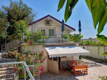 Crikvenica, Crikvenica, Property 18410 - Apartments with pebble beach.