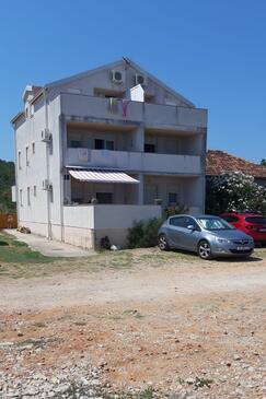 Neviđane, Pašman, Объект 18427 - Апартаменты вблизи моря с песчаным пляжем.