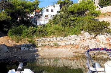 Basina, Hvar, Property 18437 - Apartments near sea with pebble beach.