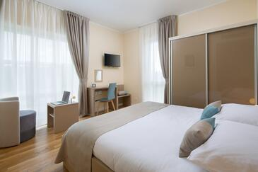 Trviž, Bedroom in the room, air condition available, (pet friendly) and WiFi.