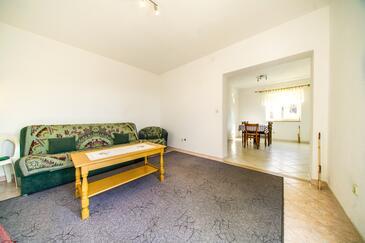 Postira, Гостиная в размещении типа apartment, доступный кондиционер и Домашние животные допускаются.