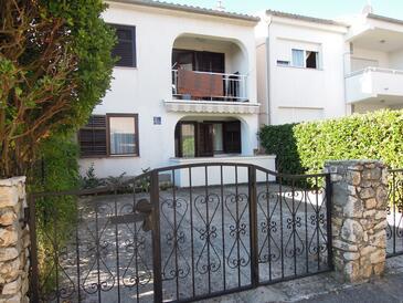 Vantačići, Krk, Property 18476 - Apartments with pebble beach.