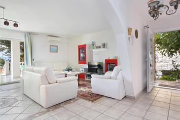 Mali Rat, Obývací pokoj v ubytování typu apartment, s klimatizací a WiFi.