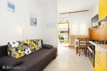 Seget Vranjica, Living room in the apartment, (pet friendly) and WiFi.