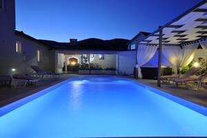 Luxury villa with a swimming pool Plano, Trogir - 18490
