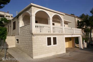 Zavalatica, Korčula, Property 185 - Apartments by the sea.