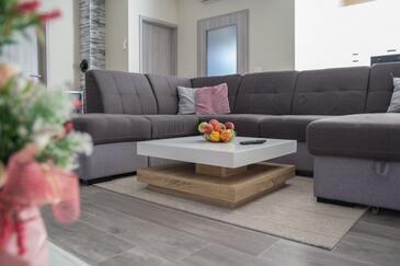 Privlaka, Гостиная в размещении типа house, доступный кондиционер и WiFi.