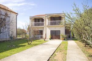 Дом для отдыха у моря Привлака - Privlaka, Задар - Zadar - 18509