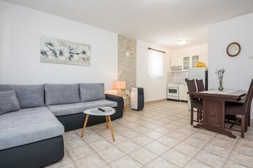 Vir, Гостиная в размещении типа apartment, доступный кондиционер.