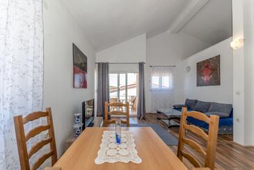Vir - Lozice, Гостиная в размещении типа apartment, доступный кондиционер, Домашние животные допускаются и WiFi.
