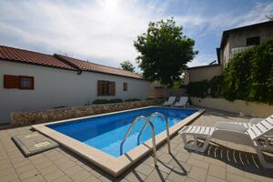 Family friendly apartments with a swimming pool Vir - Lozice, Vir - 18538