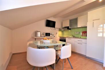 Vir - Kozjak, Jídelna v ubytování typu apartment, s klimatizací, domácí mazlíčci povoleni a WiFi.