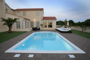 Seaside luxury villa with a swimming pool Privlaka, Zadar - 18558