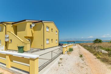 Vir, Vir, Объект 18565 - Апартаменты вблизи моря с галечным пляжем.