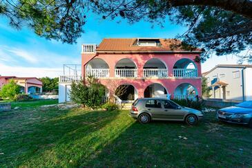 Vir - Kozjak, Vir, Объект 18579 - Апартаменты с галечным пляжем.