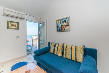 Vir, Living room in the studio-apartment, air condition available, (pet friendly) and WiFi.