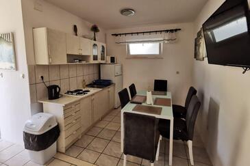 Živogošće - Mala Duba, Kuchyně v ubytování typu apartment, WiFi.
