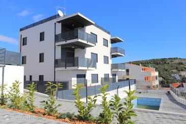 Mavarštica, Čiovo, Объект 18642 - Апартаменты с галечным пляжем.