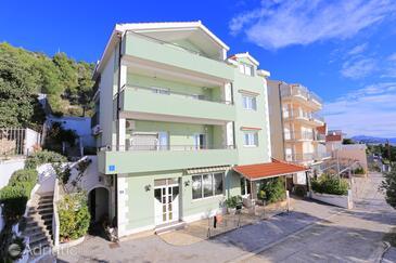 Seget Donji, Trogir, Объект 18648 - Апартаменты вблизи моря с галечным пляжем.