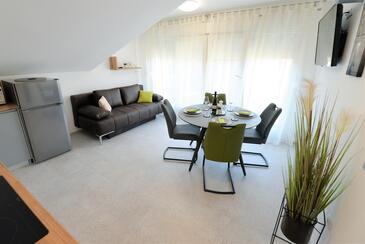 Murter, Obývací pokoj v ubytování typu apartment, s klimatizací a WiFi.
