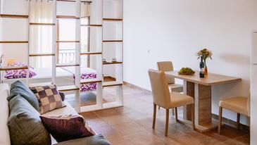 Sevid, Salle à manger dans l'hébergement en type studio-apartment, climatisation disponible et WiFi.