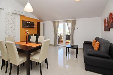 Baška, Obývací pokoj v ubytování typu apartment, WiFi.