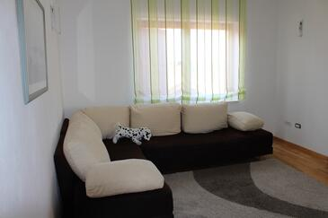 Pakoštane, Living room in the apartment, air condition available and WiFi.