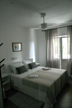Rab, Ložnice v ubytování typu room, WiFi.