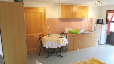 Soline, Кухня в размещении типа studio-apartment.