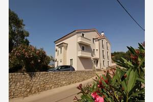 Апартаменты с парковкой Солине - Soline, Крк - Krk - 18802