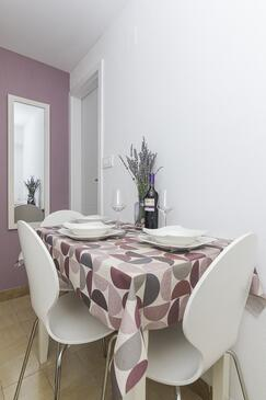 Podgora, Dining room in the apartment, WiFi.