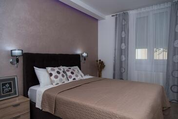 Daruvar, Spavaća soba u smještaju tipa room, dostupna klima i WiFi.